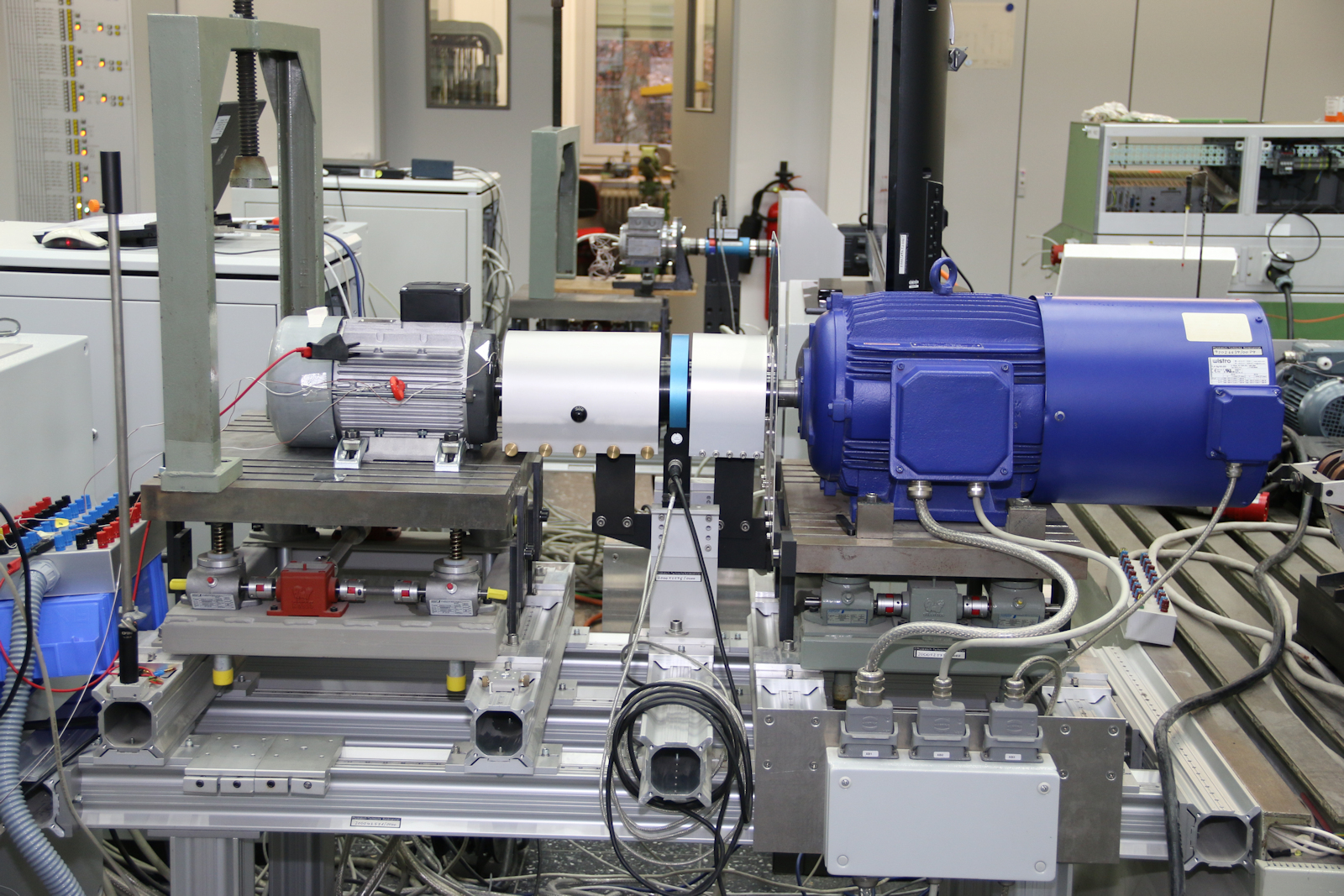 Image of a motor test bench for small machines